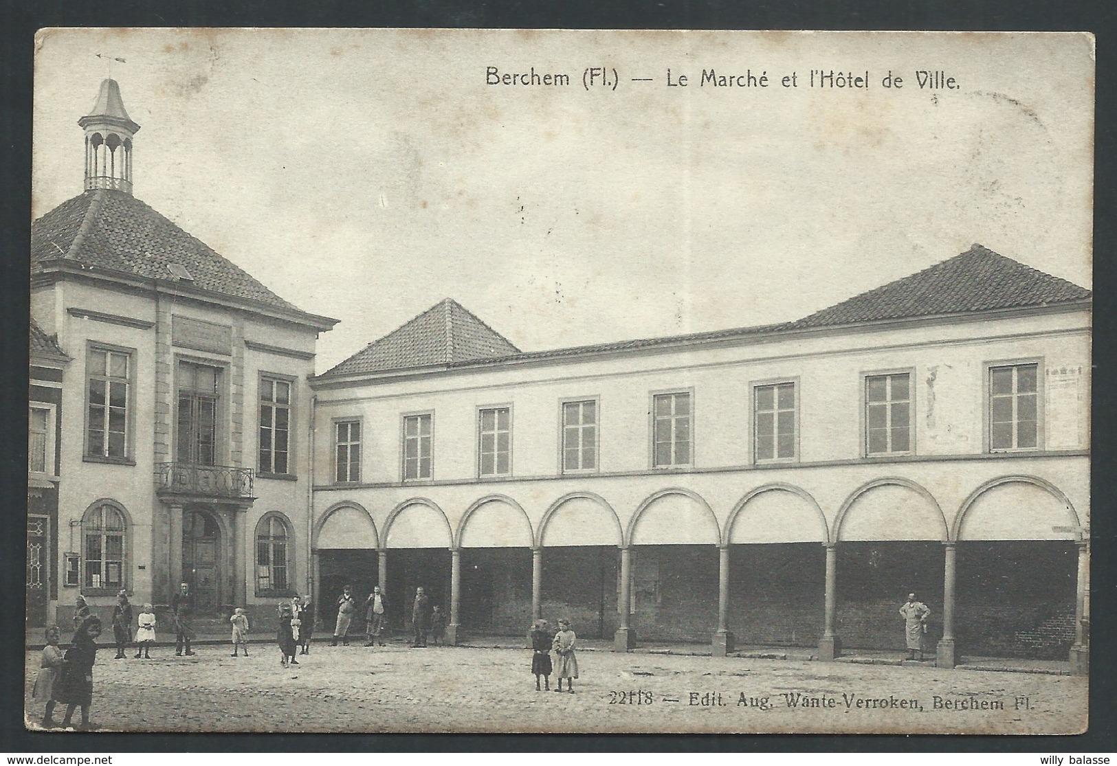 +++CPA - BERCHEM (Fl.) - Le Marché Et L'Hôtel De Ville    // - Kluisbergen