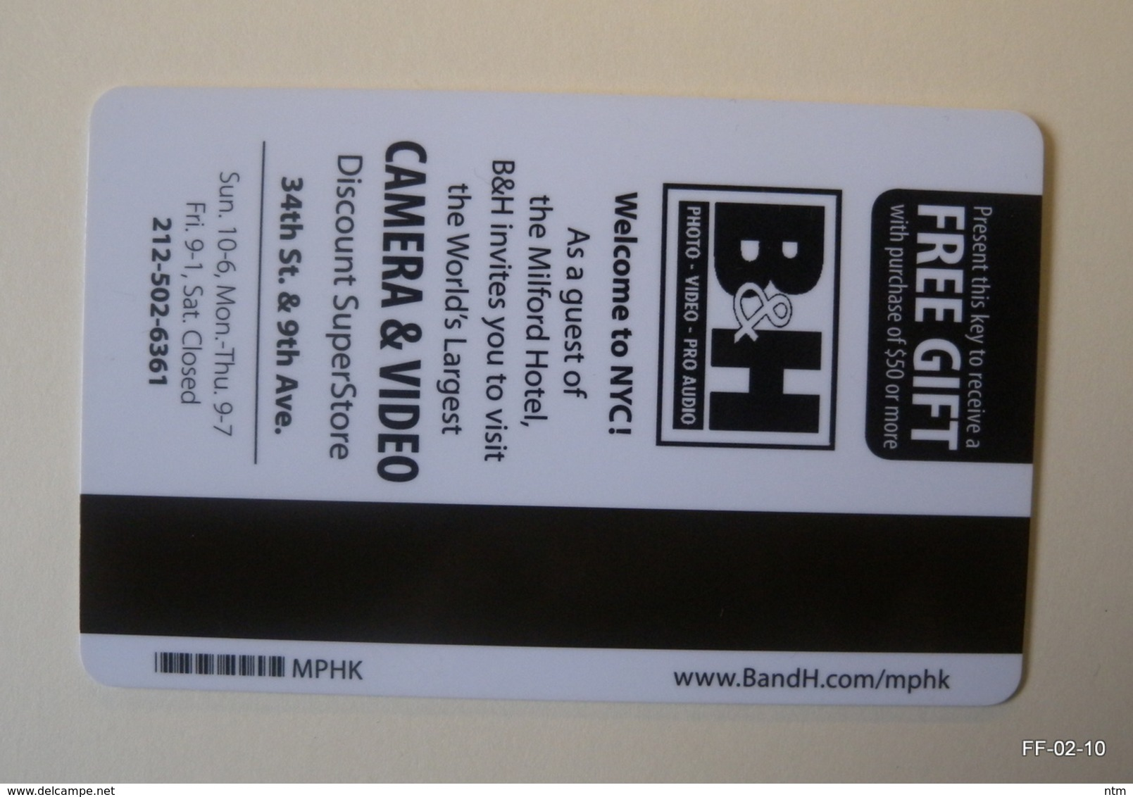 USA Year 2012: The Milford NYC Hotel Room Card-Keys (X2). Back Side With Commercial Advertisement. - Otras Colecciones