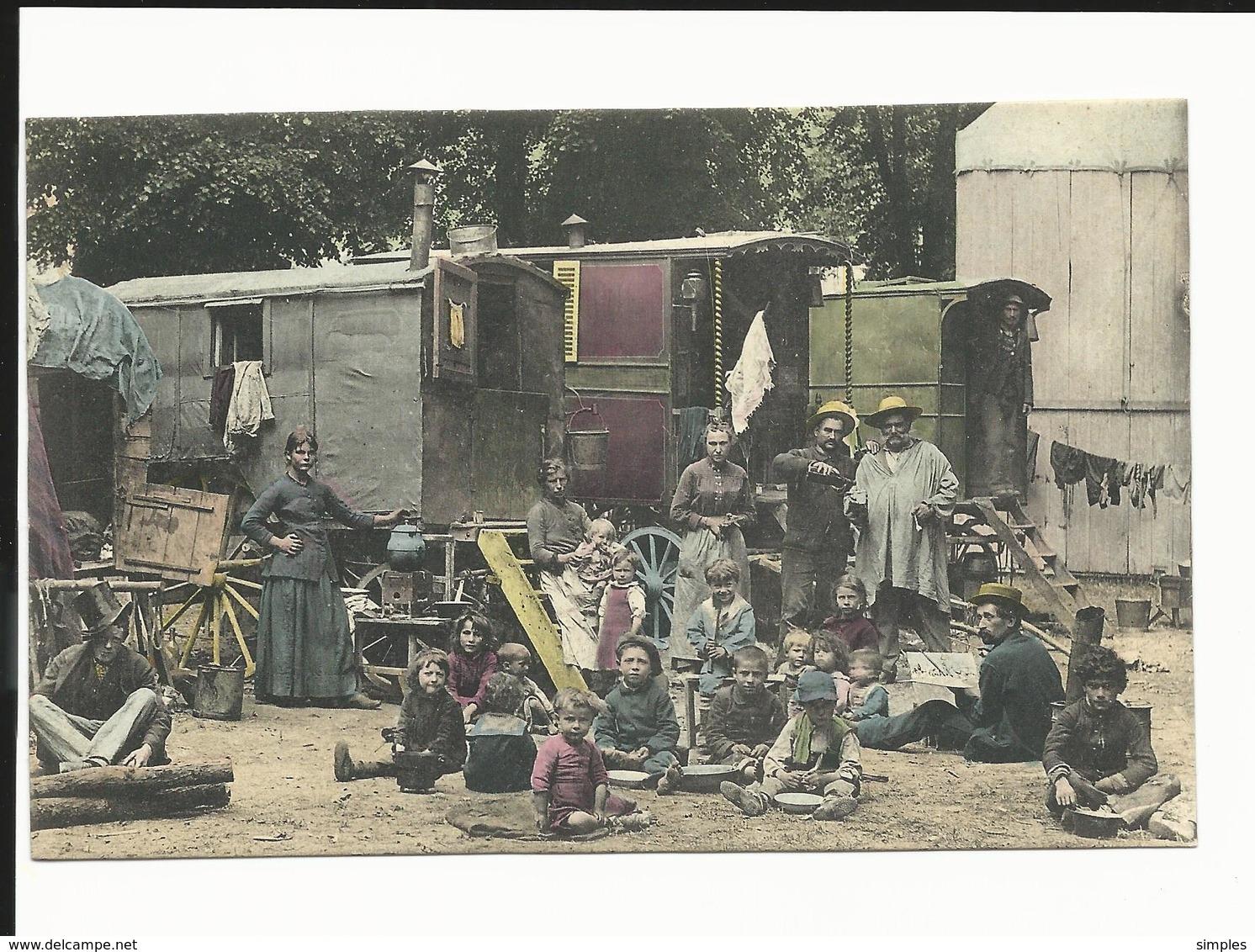 Carte Représentant  Gros Plan Campement  Tsiganes, Gitans, Manouches à Situer - Roulotte - Cirque ? - France