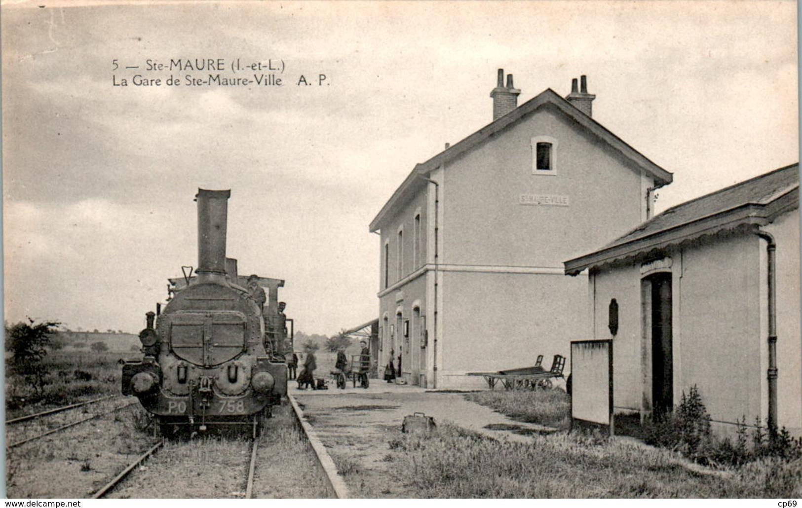 STE-MAURE - Gare De Ste-Maure-Ville The Train Station Locomotive - INDRE-ET-LOIRE N°5 Dos Vert Superbe.Etat - Francia