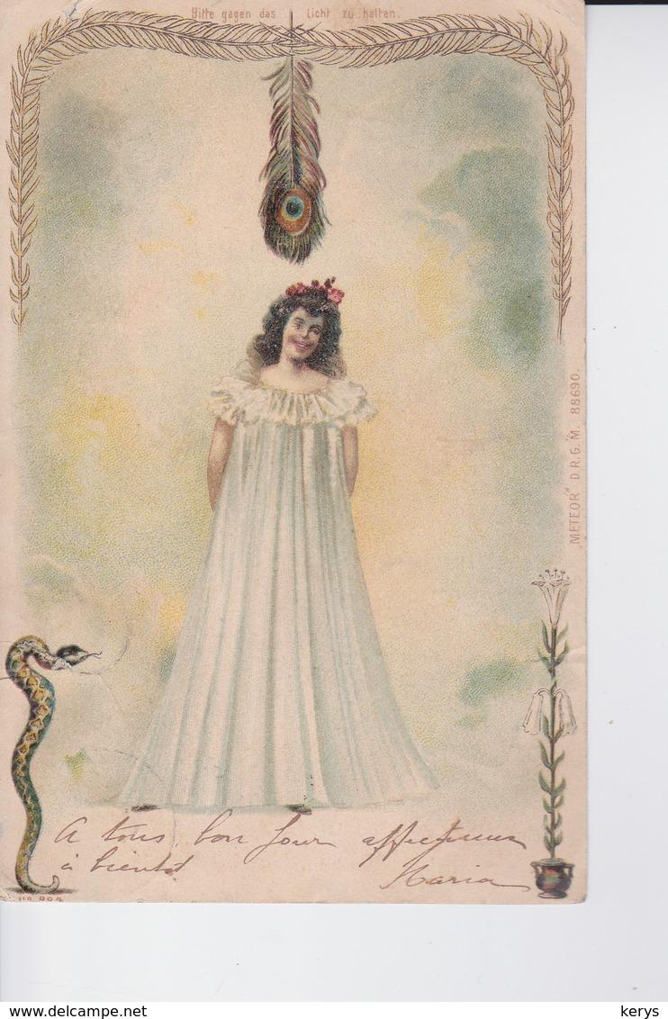CP De 1904 : Dame En Longue Chemise De Nuit N ,une Plume De Paon ,serpent Et Fleur ( à Voir ) - Vrouwen
