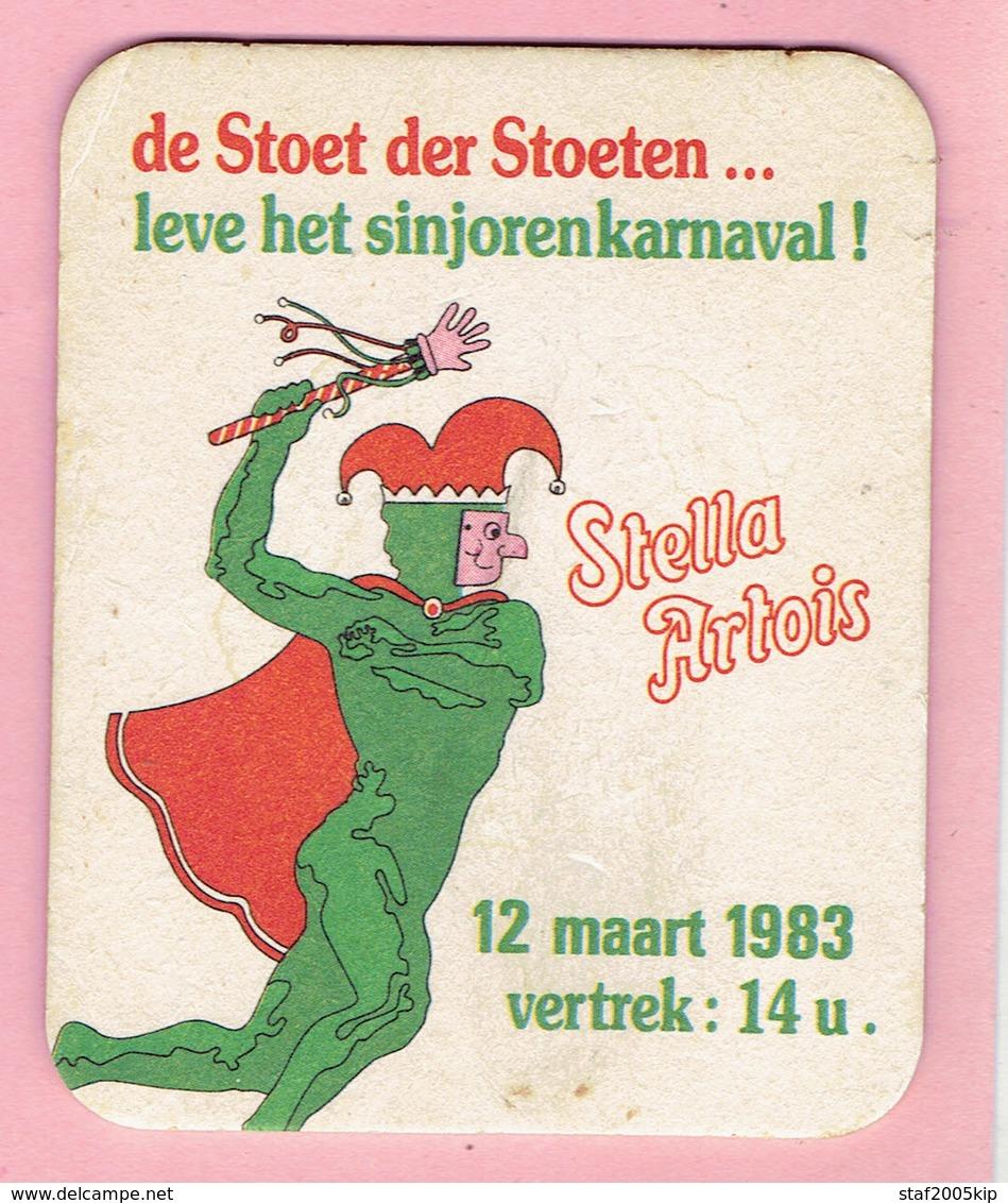 Bierviltjes - STELLA ARTOIS - De Stoet Der Stoeten...Leve Het Sinjorenkarnaval 1983 - Sous-bocks