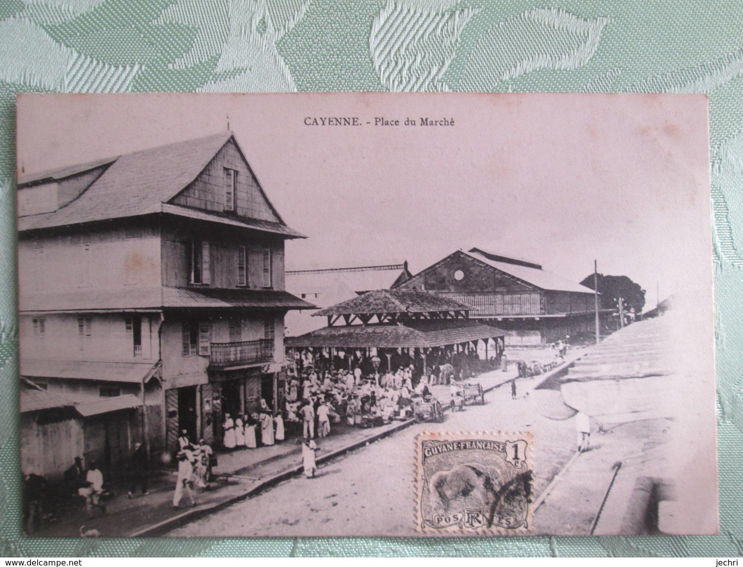 Cayenne . Place Du Marche - Cayenne