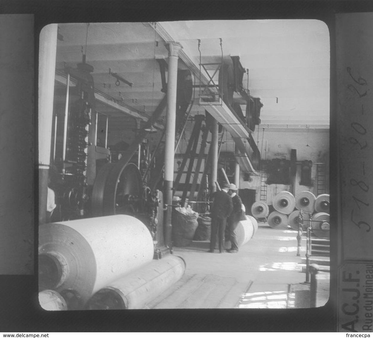518-20-26 -  AUTRICHE - Rouleaux De Papier Sortant De L'Usine De Steyrermühl - Plaques De Verre