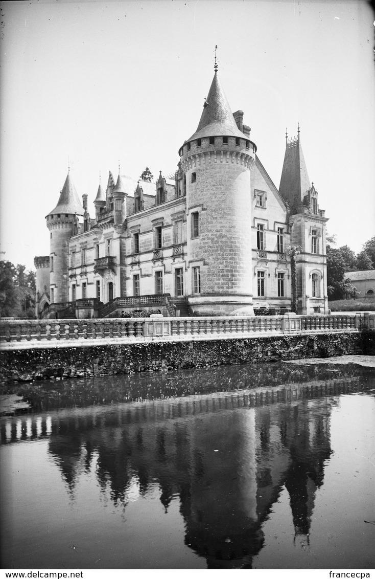 PN - 176 - CHARENTE - 16 - ROUMAZIERES - Chateau De Nieul - Plaques De Verre