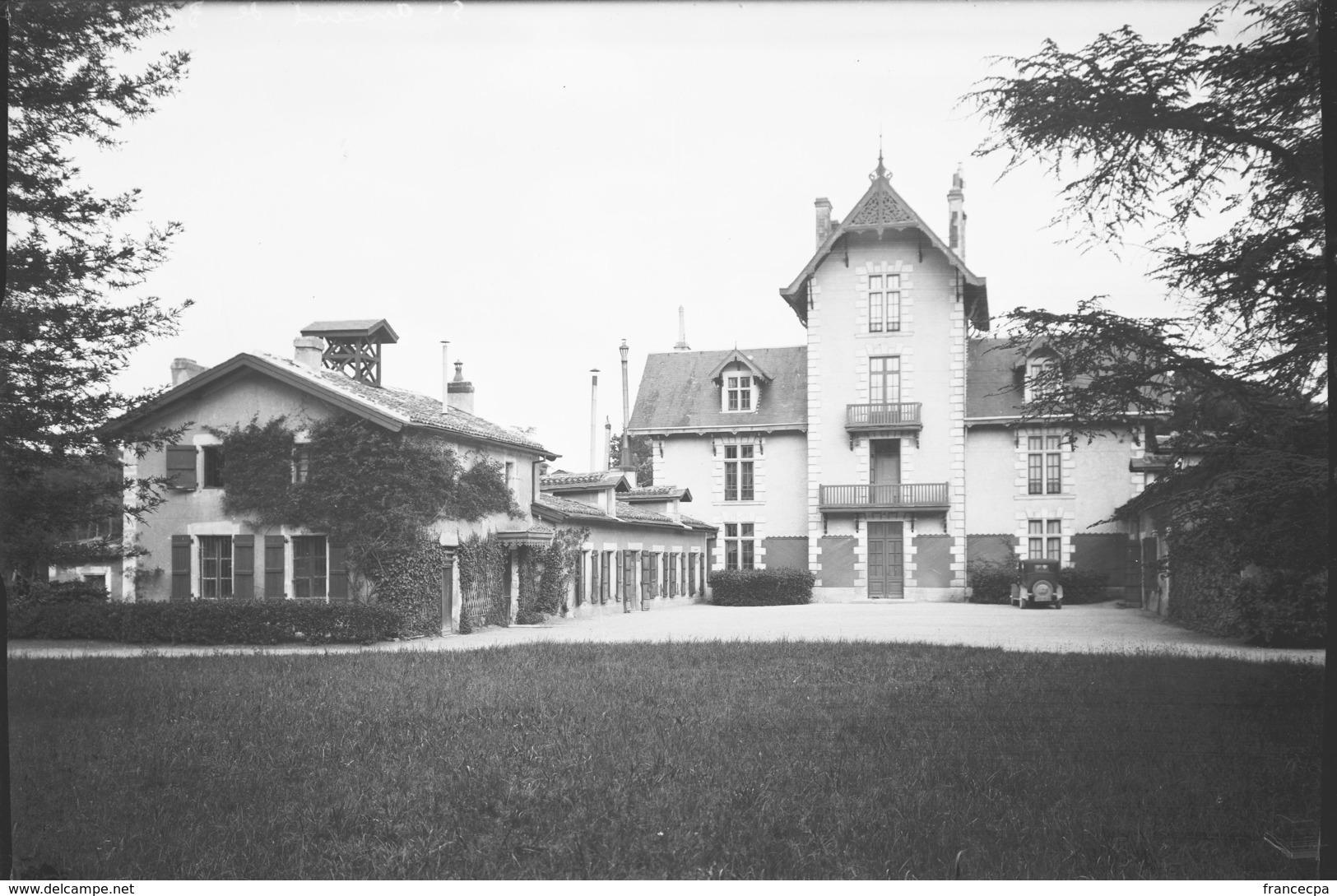 PN - 182 - CHARENTE - 16 - SAINT AMANT DE BOIXE - Chalet - Plaques De Verre