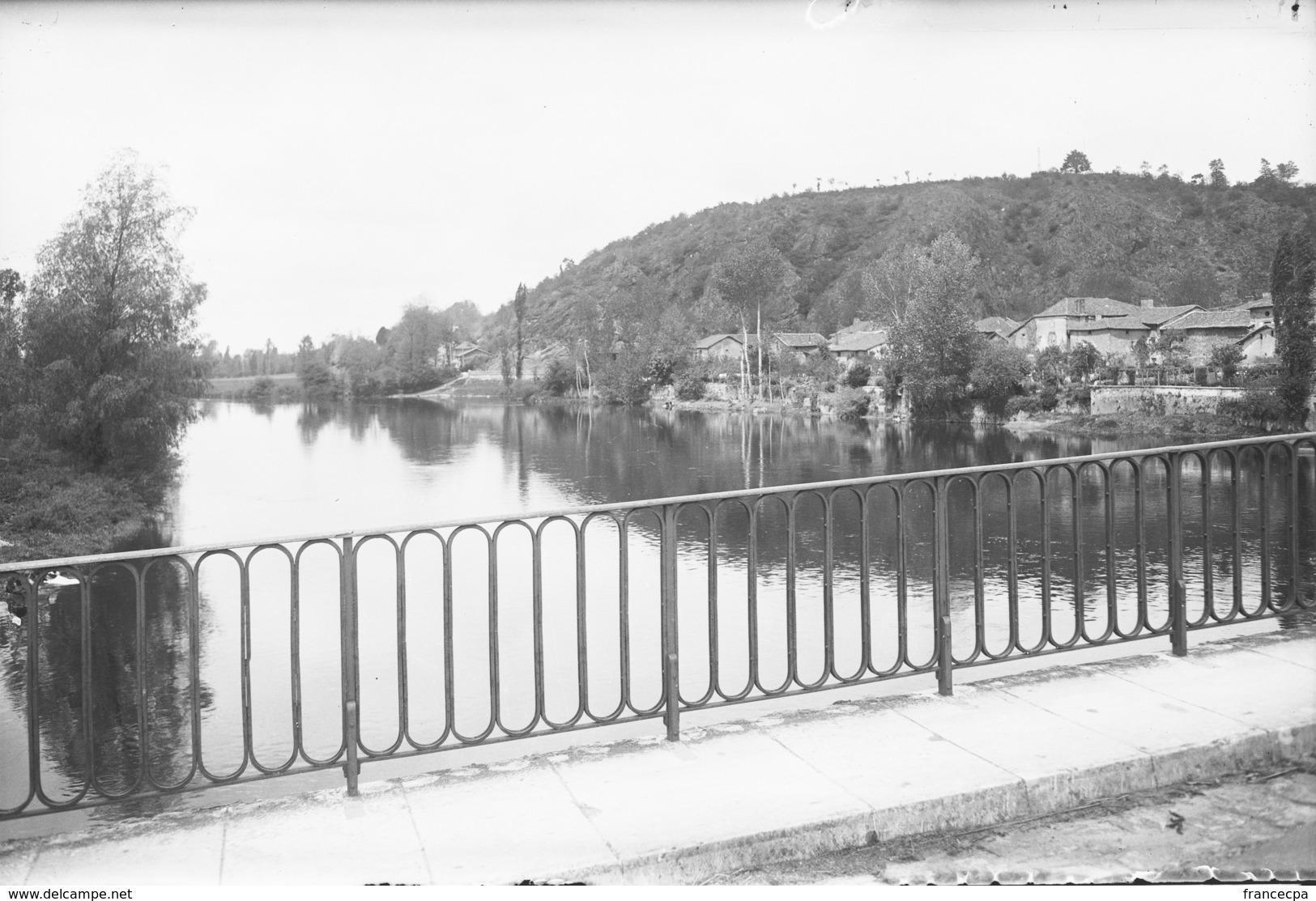 PN - 186 - CHARENTE - 16  SAINT GERMAIN DE CONFOLENS -  Vue Du Pont - - Plaques De Verre