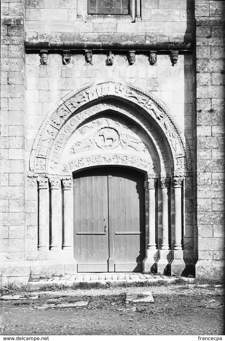 PN - 148 - CHARENTE - 16 - CHAMPAGNE MOUTON - Porte De L' Eglise - Plaques De Verre
