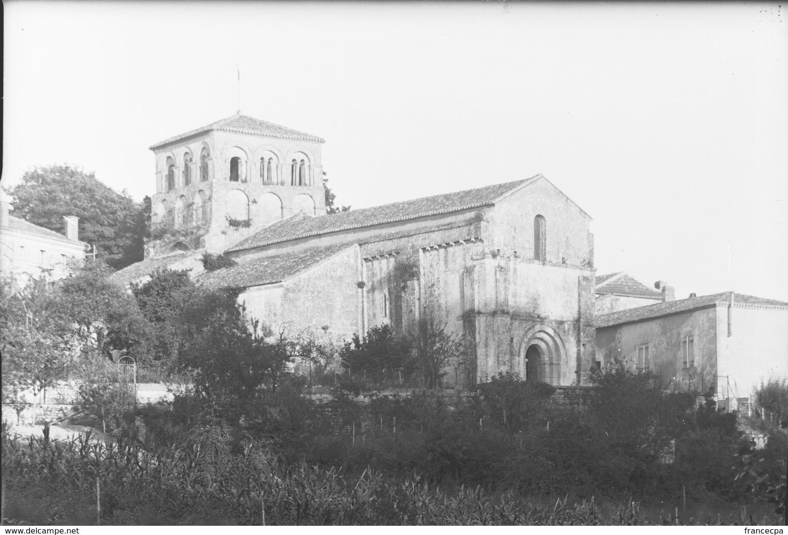 PN - 053 - CHARENTE - DIGNAC -  Eglise - Plaques De Verre