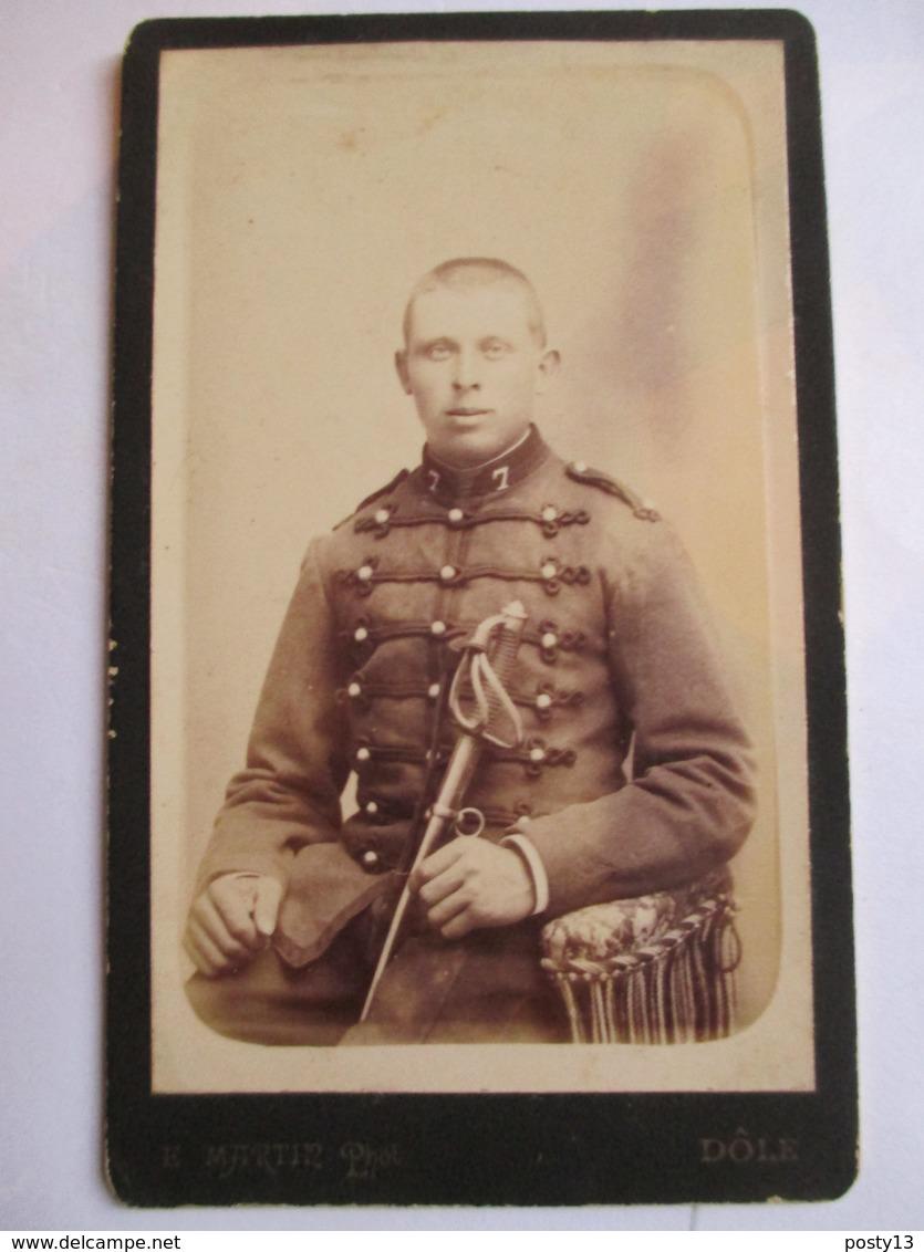 Photographie Ancienne CDV - Militaire Du 7 ème  Régiment ( Dragon ?) - Photo Martin, DOLE   T BE - Guerre, Militaire