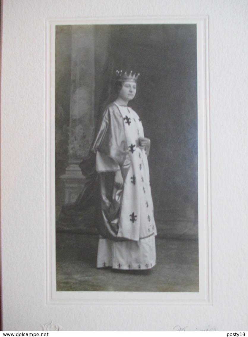 Bordighera - Photographie Ancienne D' Ezio BENIGNI - Personnage Féminin En Reine De France - ( Théâtre ? ) - TTBE - Photos