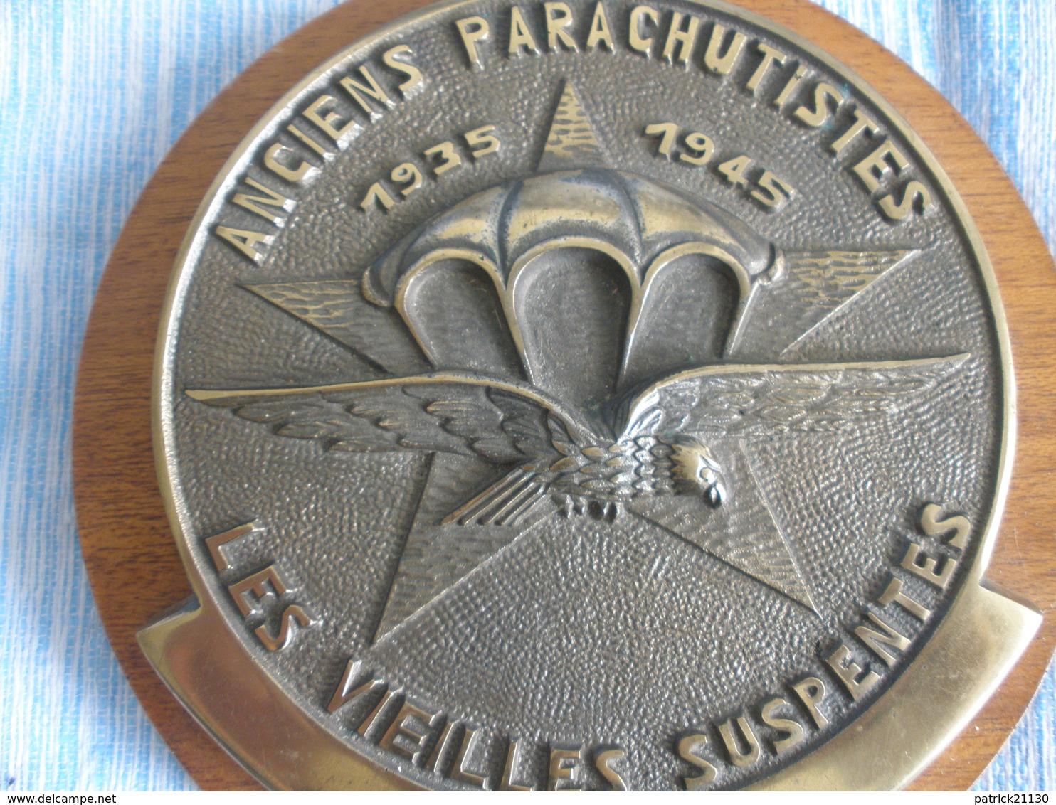 TAPE BOUCHE PARA AMICALE LES VIEILLES SUSPENTES ANCIENS PARACHUTISTES 1935/1945 INSIGNE DU 1 RCP CHASSEURS PARA - Armée De Terre