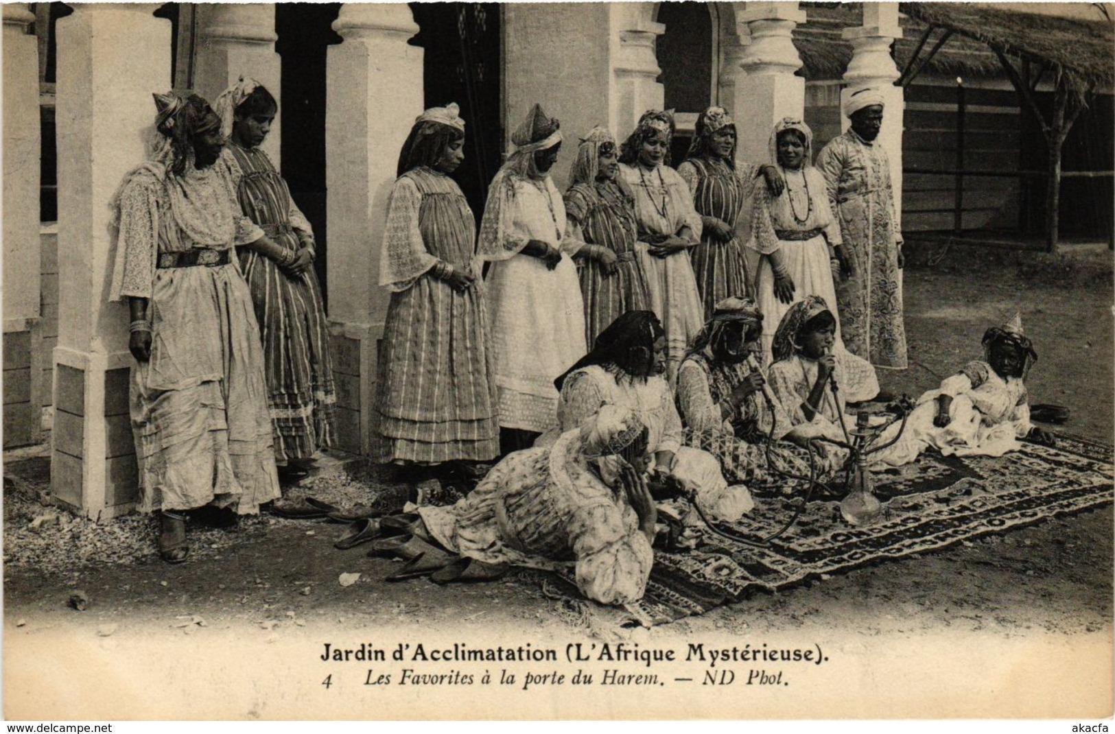 CPA ND 4 Les Favorites A La Porte Du Harem ALGERIE (799216) - Women