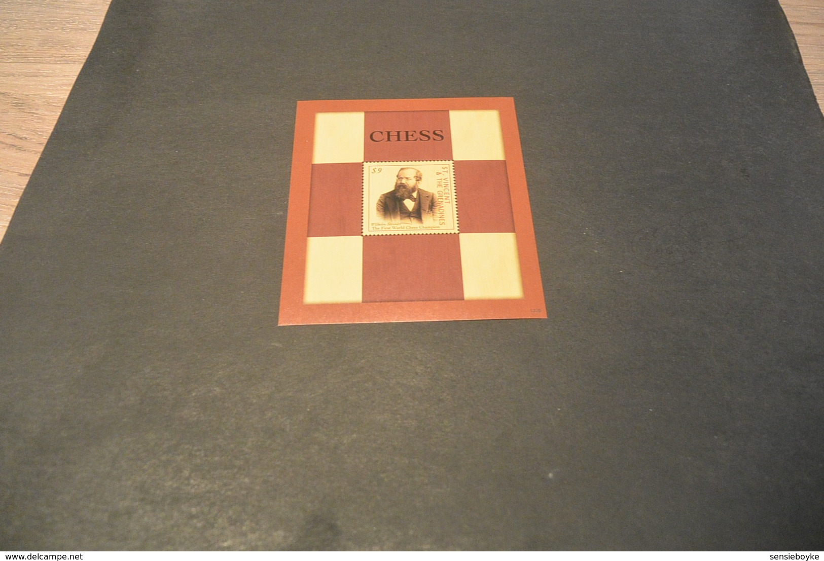 M4798 -   Bloc MNh ST. Vincent & Greandines -  Chess - The First Workd Chess Champion - Wilhelm Steinitz - Schaken