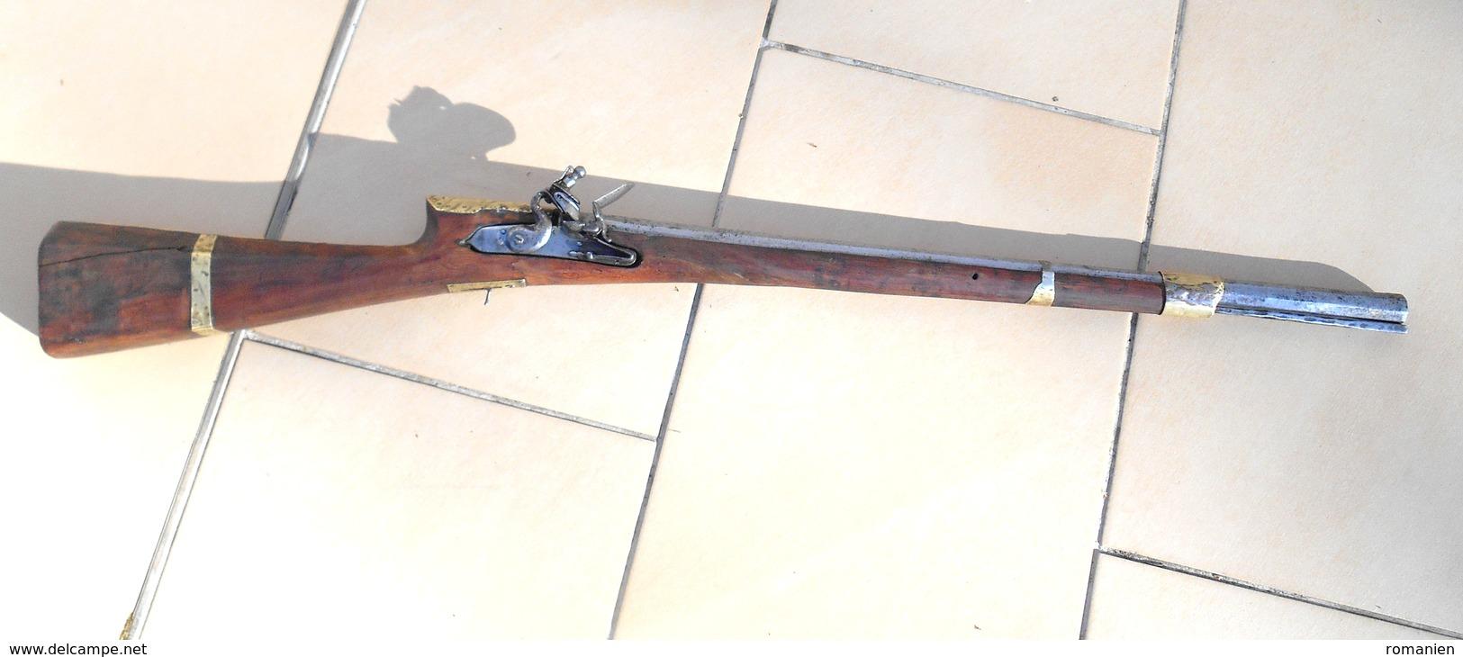 Fusil Court De Type Moukhala - Armes Neutralisées