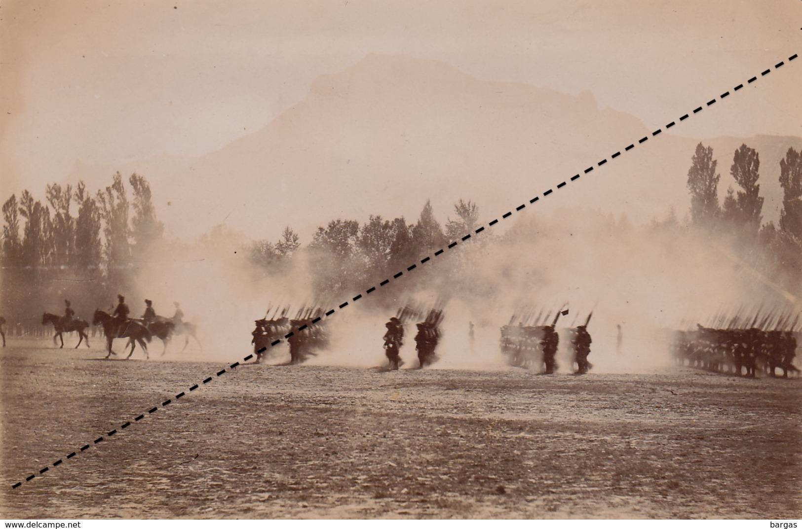 Photo Militaire Manoeuvre Camp De La Cucarde Carcade ? Légendée Au Dos - Guerre, Militaire