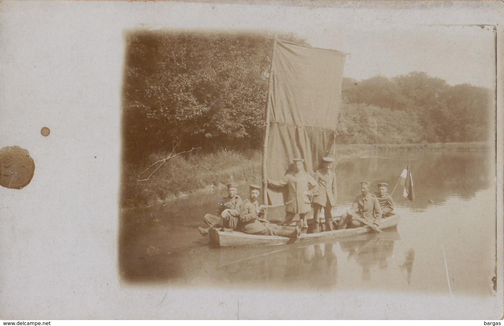Carte Photo 1900 Militaire Sur Une Barque Canot - Guerre, Militaire