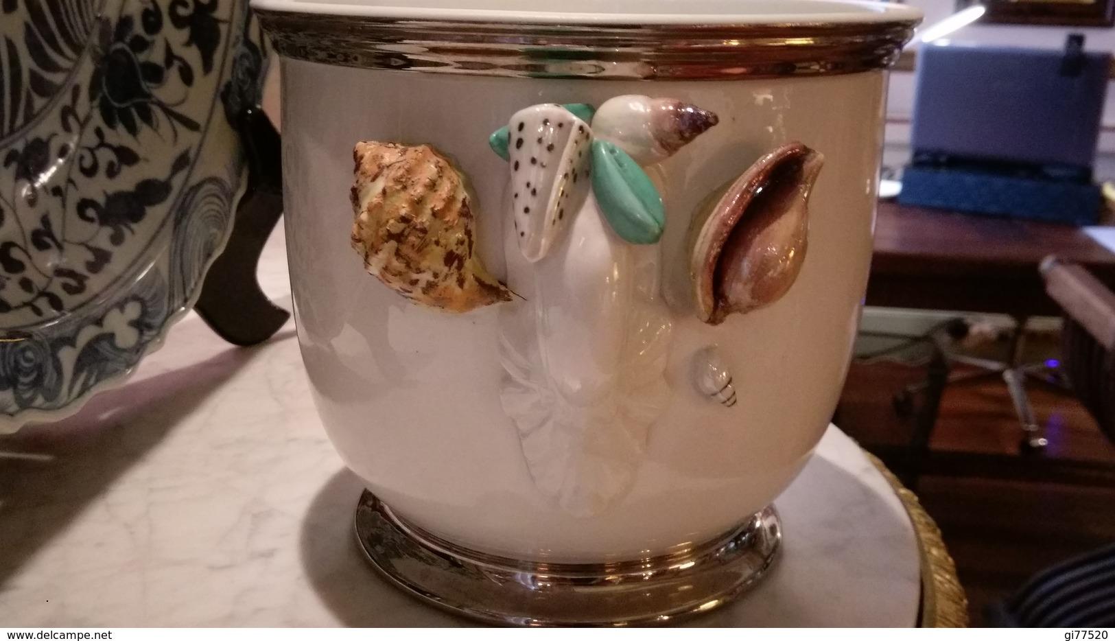 CACHE POT FAIENCE DECOR  COQUILLAGES - ITALIE - Céramiques