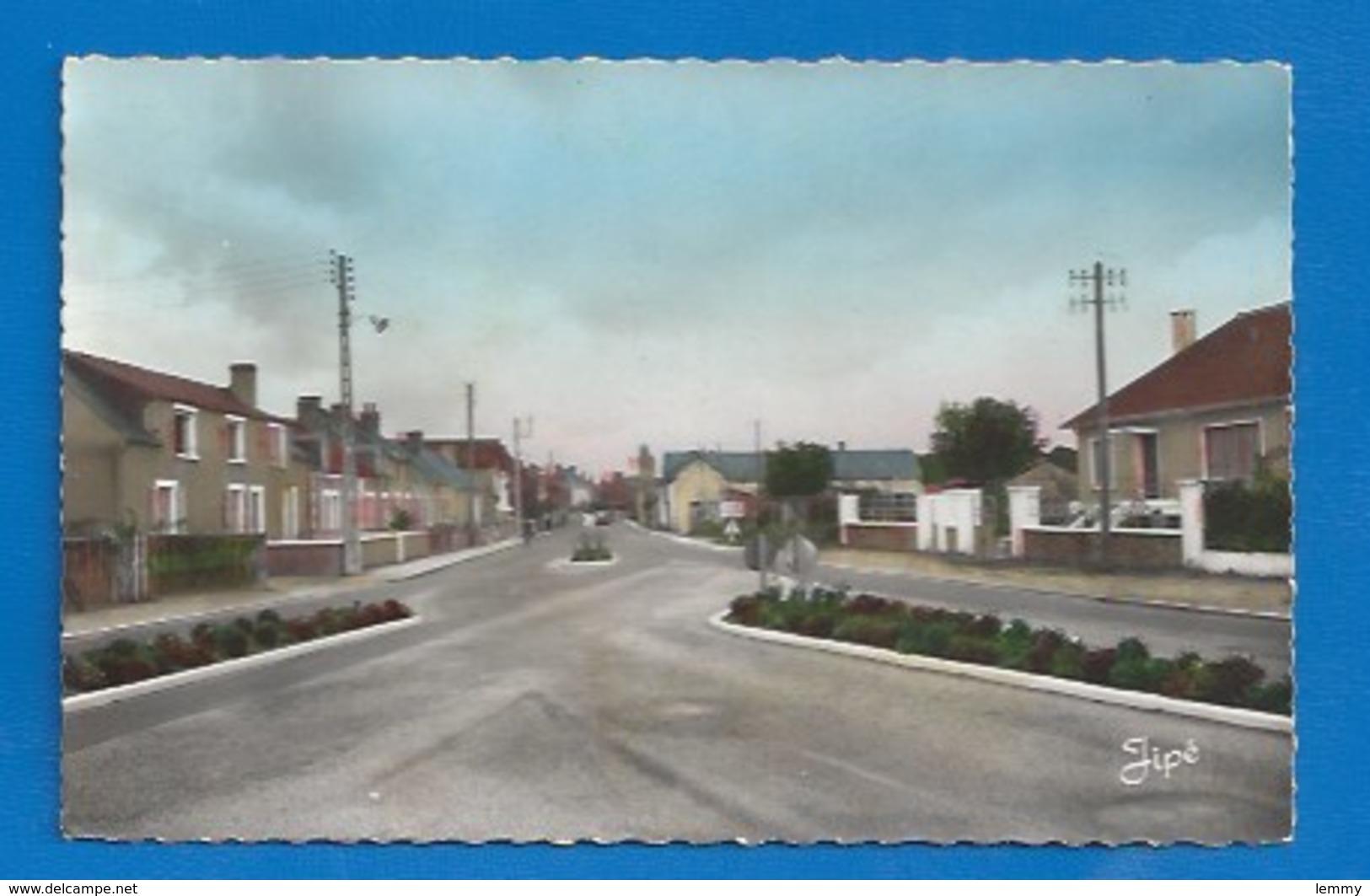 53 - NOYEN-SUR- SARTHE - EN VENANT DE SABLÉ - CPSM DENTELÉE - France