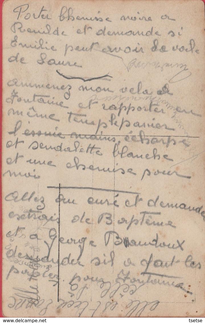 Forchies - Famille Devant Une Vitrine De Magasin ...à Situer - Carte Photo Unique ( Voir Verso ) - Fontaine-l'Evêque