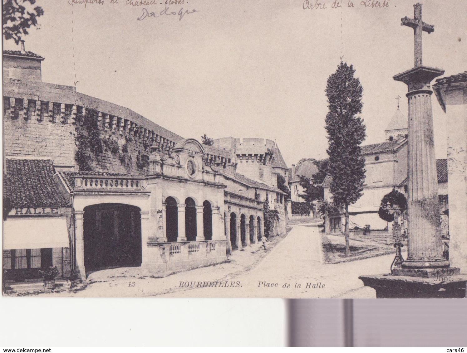 CPA - 15. BOURDEILLES -  Place De La Halle - France