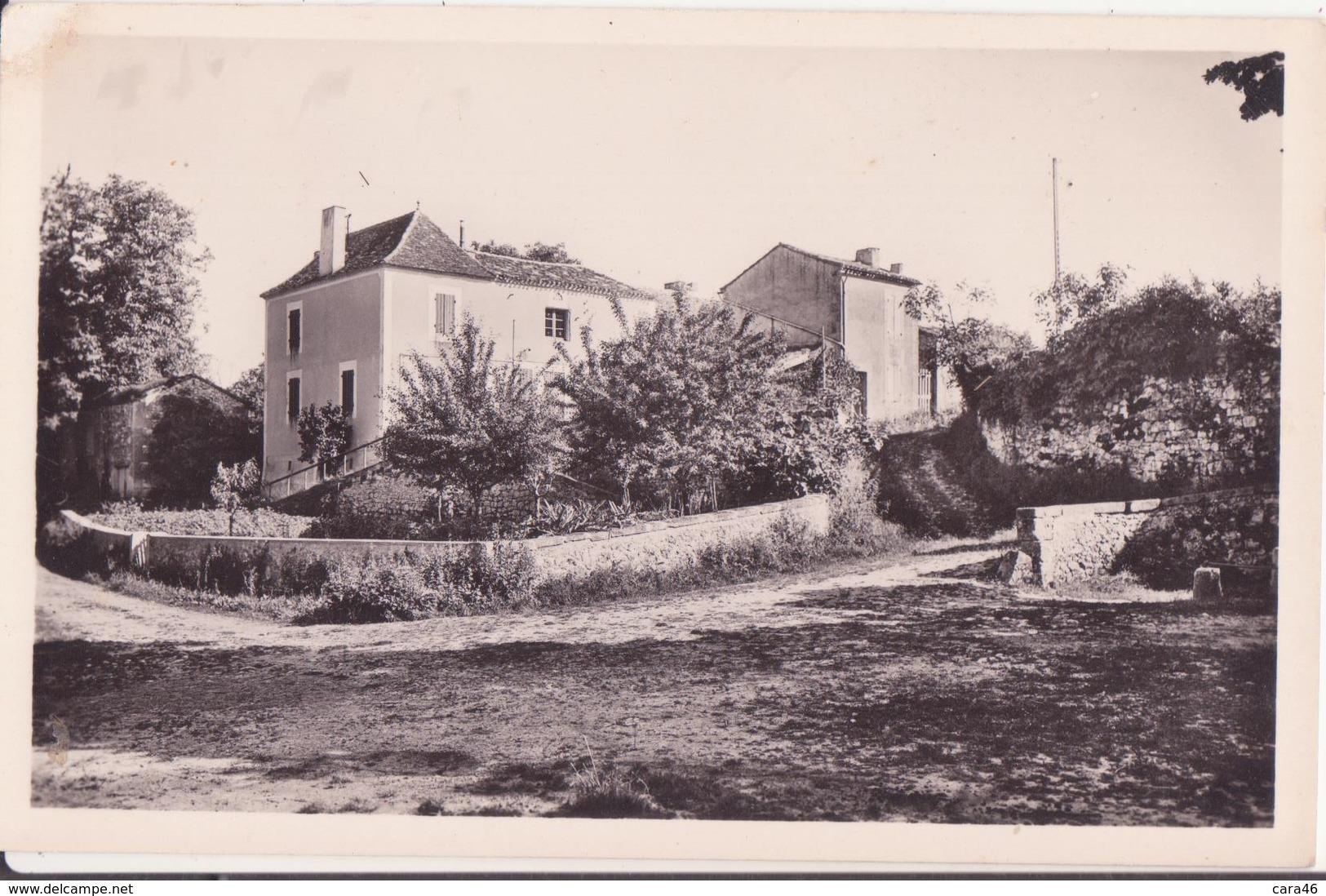 CSM - 5439. FAUX (Dordogne) - Place De La Fontaine - France