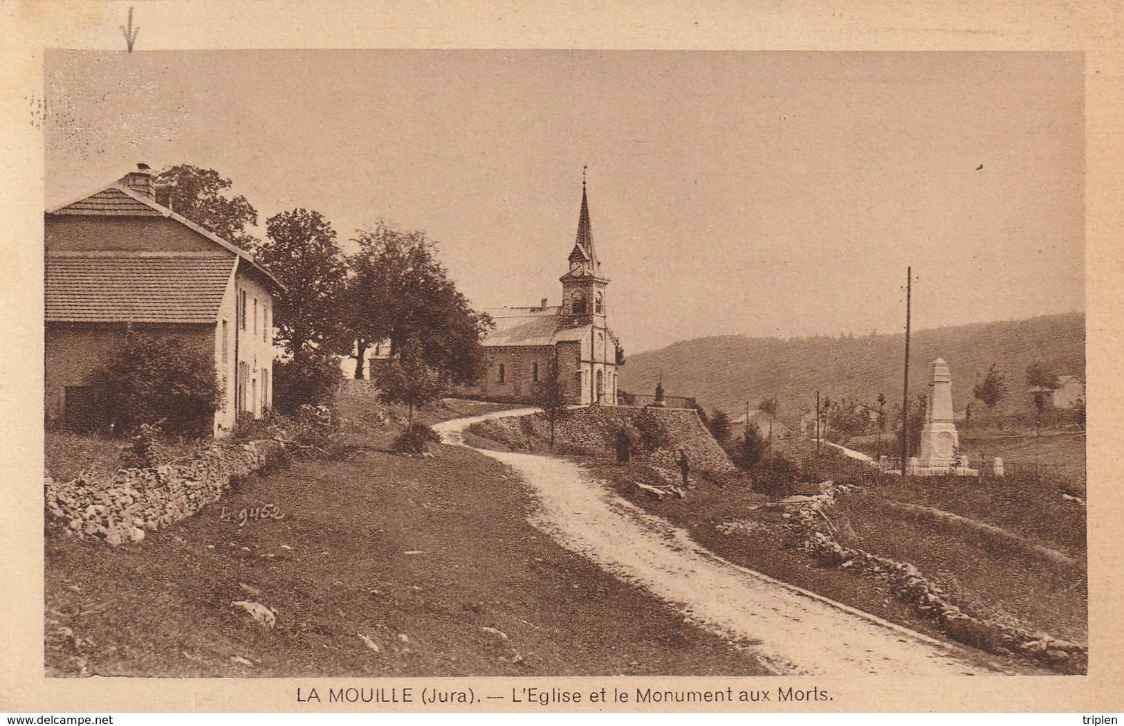 La Mouille - L'église Et Le Monument Aux Morts - Autres Communes