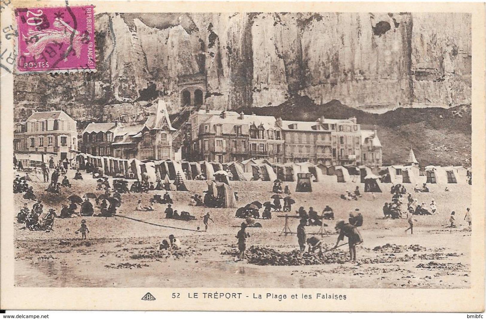 LE TREPORT - La Plage Et Les Falaises - Le Treport