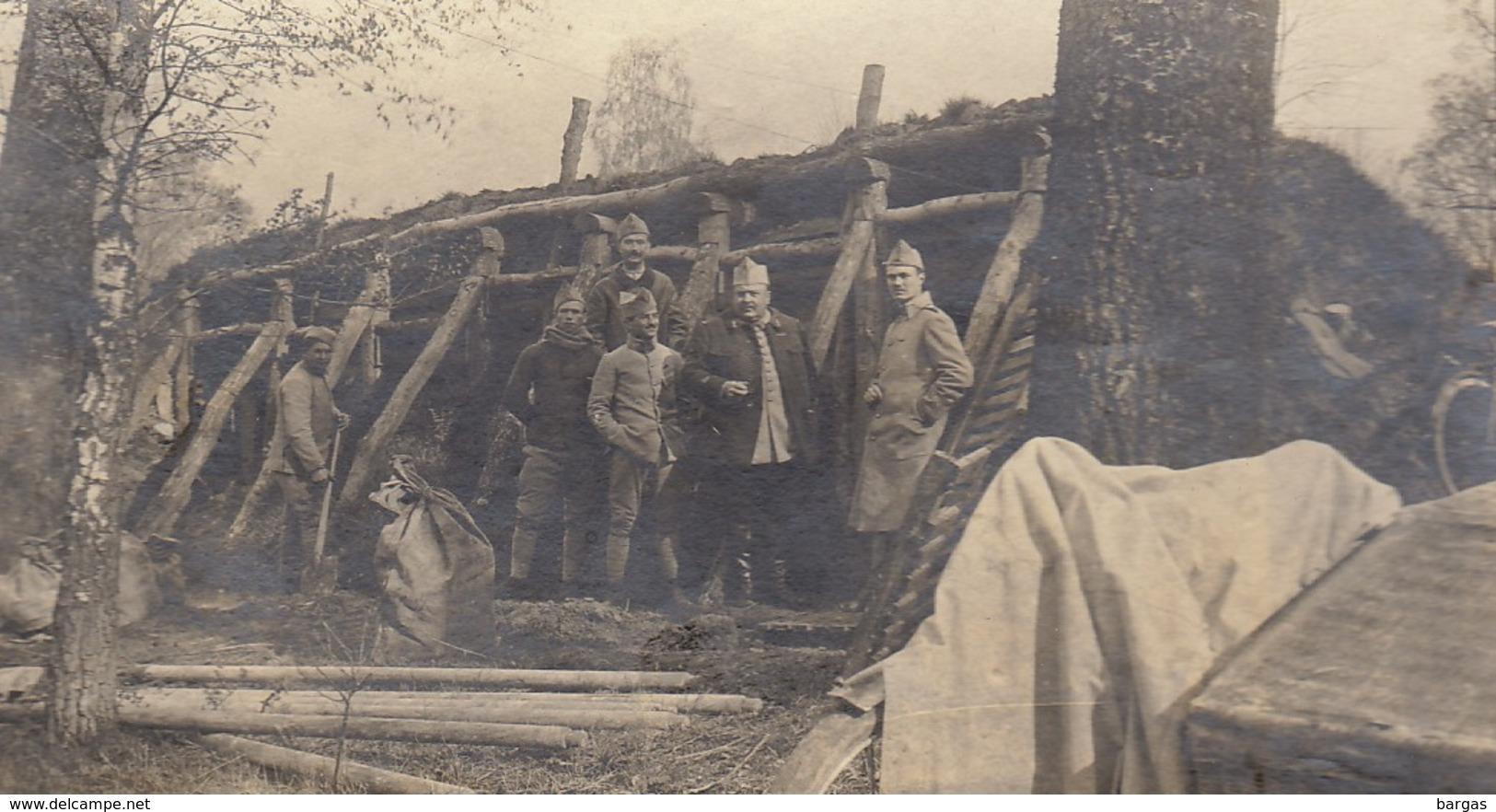 Photo Groupe Militaire Devant Un Abri Les Islettes WWI - Guerre, Militaire