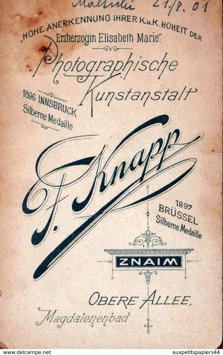 CDV Tirage Photo Albuminé Cartonné République Tchèque -  Znojmo  (Znaim) Fillette Par Kunstanstalt - F. Knapp 1901 - Alte (vor 1900)