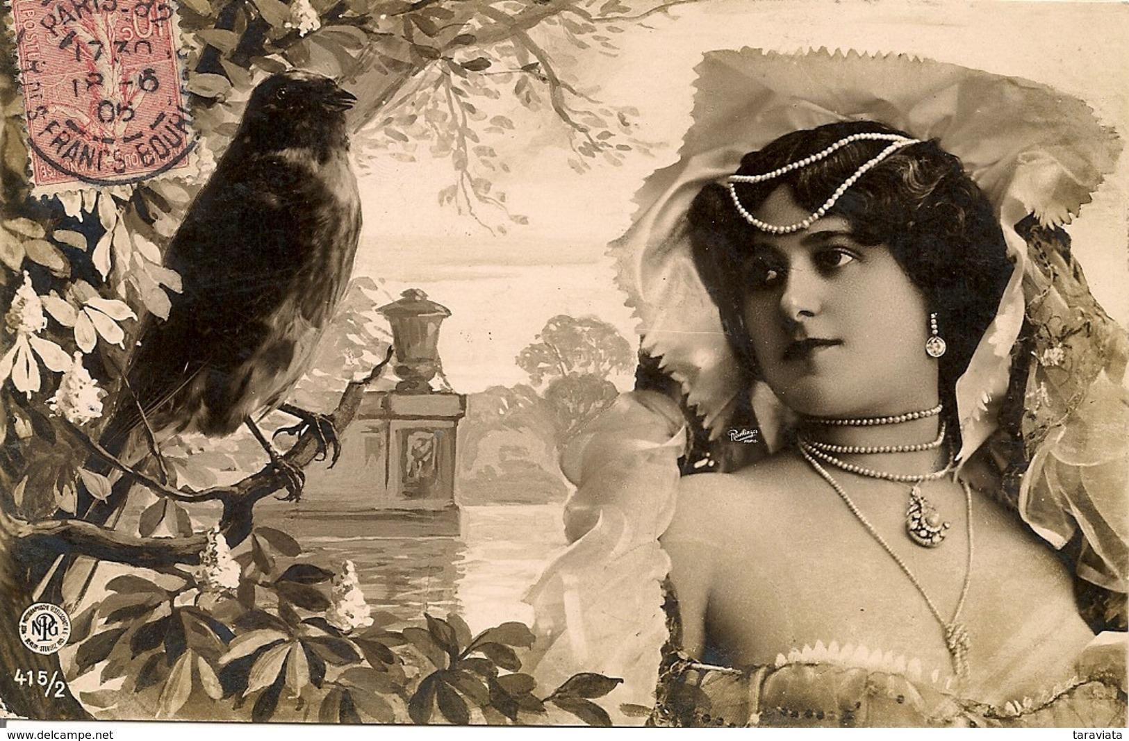 ACTRICES Montage Photo SURRÉALISME Oiseau - Unterhaltung