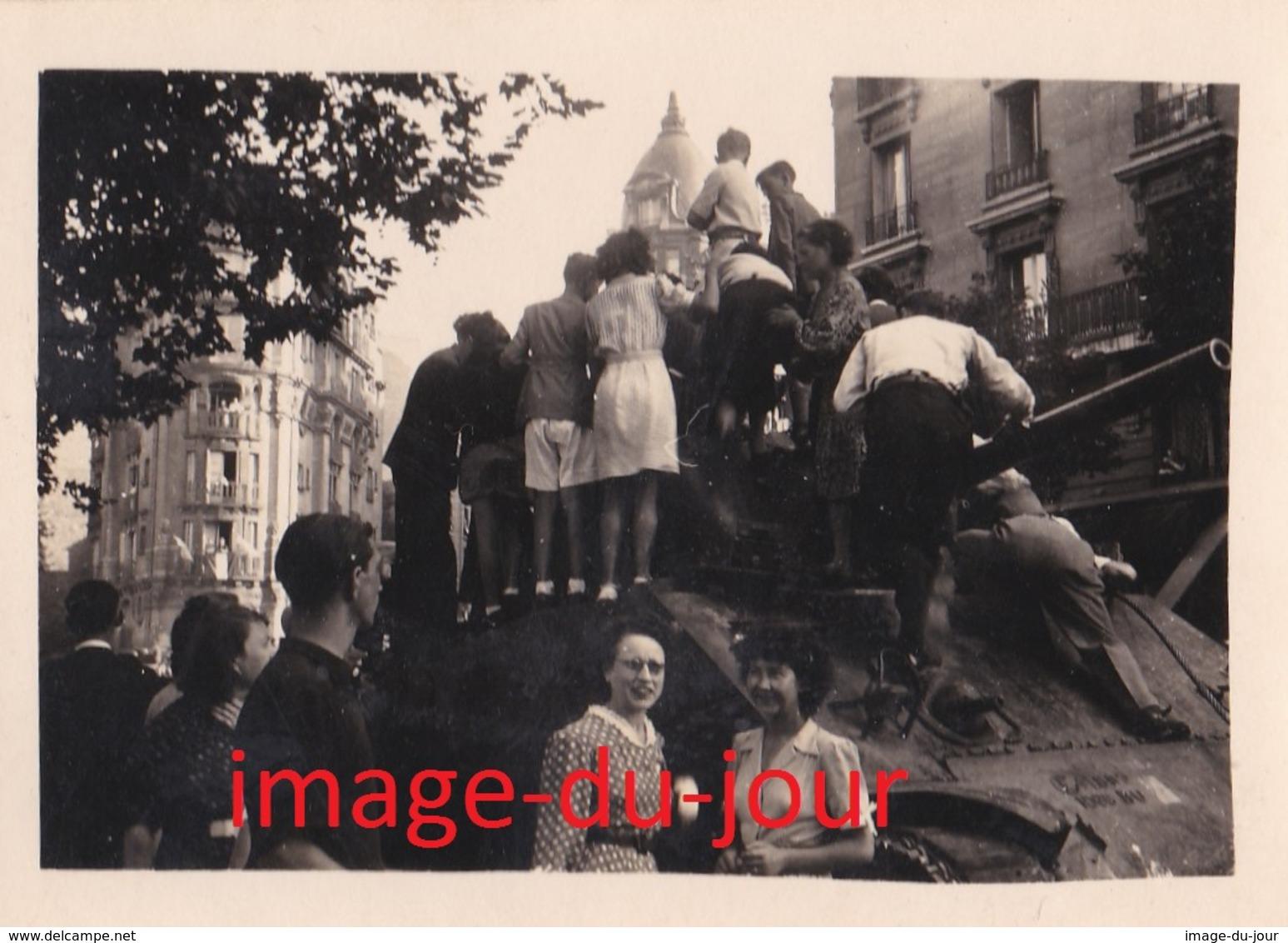 LOT DE 4 PHOTOS ANCIENNES LIBERATION DE PARIS PRIX FIXE - Guerre, Militaire