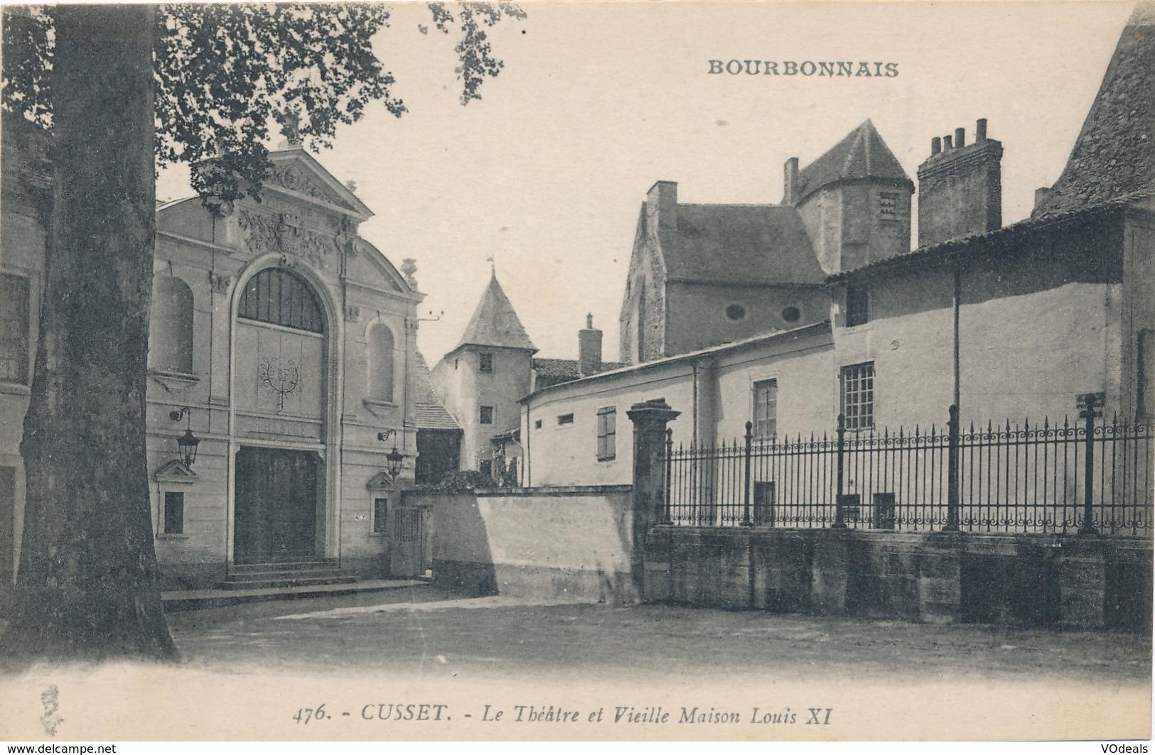 CPA - France - (03) Allier - Cusset - Le Théâtre Et Vieille Maison Louis XI - Frankrijk