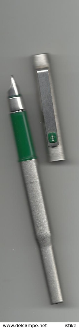 U K,  Parker Fountain Pen, Green. - Pens