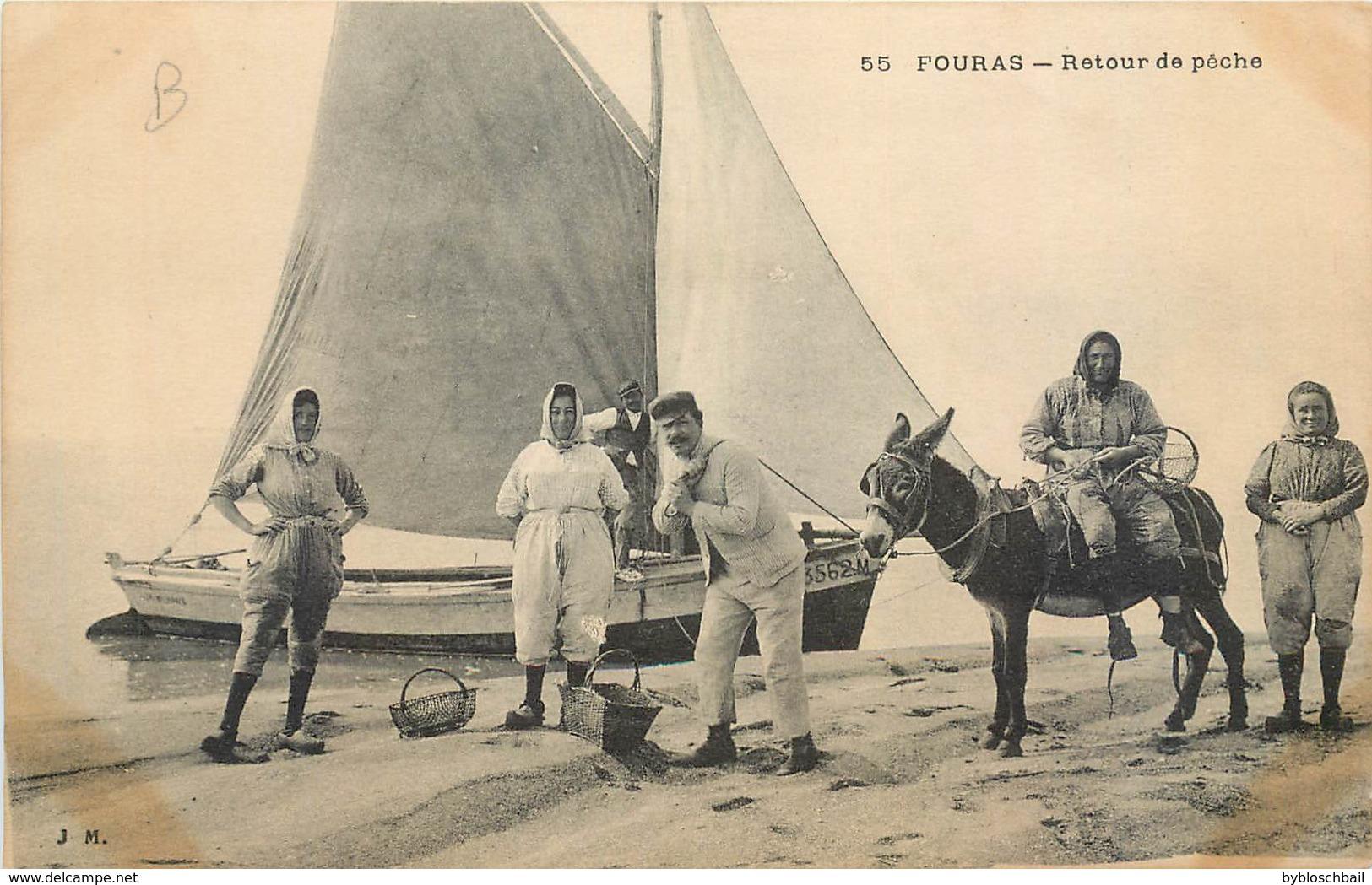 CPA 17 Charente Maritime Inférieure Fouras Retour De Pêche Ane Barque Bateau - France
