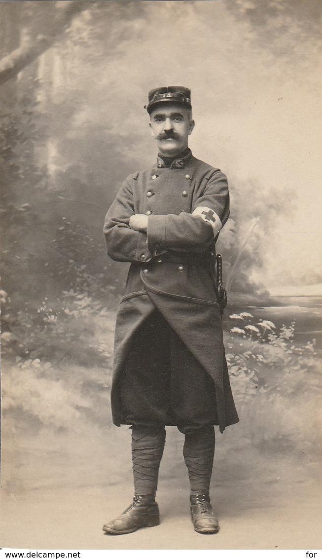 Militaria : Extrait De Carte-photo. : Soldat - Infirmier : 14é Régt. ( Poilu ) Format 10,3cm X 6,2cm - War 1914-18