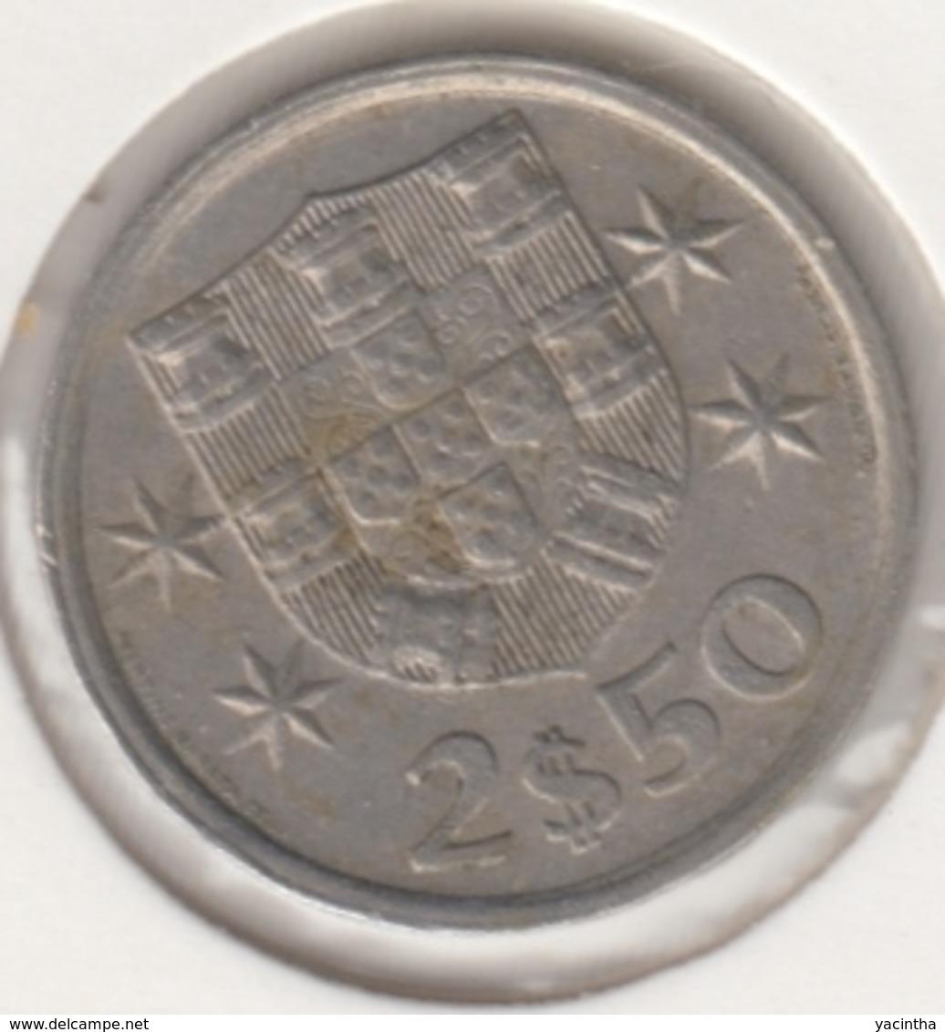 @Y@    Portugal  2 1/2    Escudos   1977      (4657) - Portugal