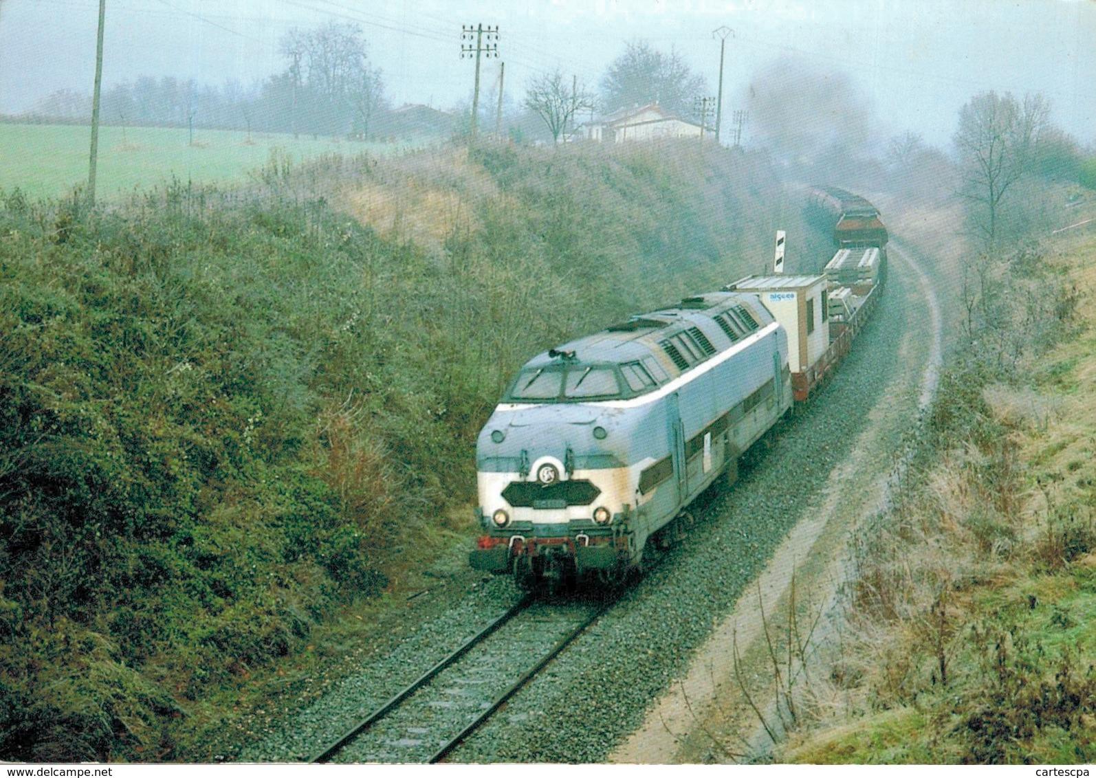 La C C 65004 De La C F T A Emmene Un Train De Travaux Electrification De La Ligne Mouchard St Amour   CPM Ou CPSM - Eisenbahnen