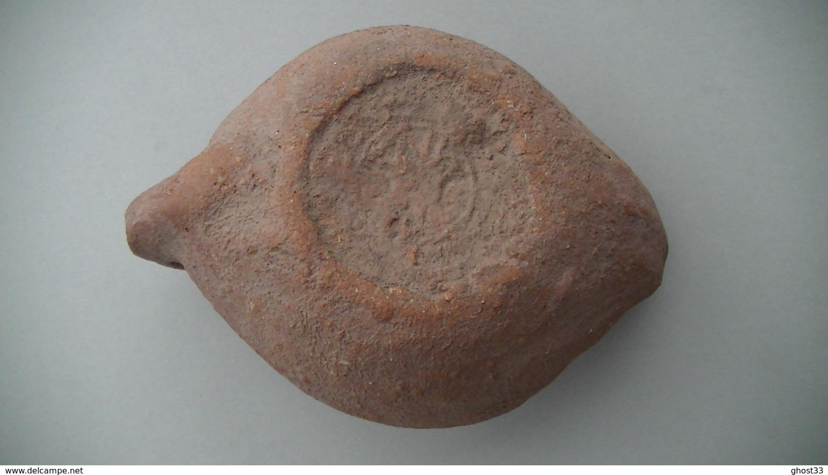 ARCHÉOLOGIE - LAMPE À HUILE - ÉPOQUE GALLO-ROMAINE - MARQUE AU DOS - Archaeology