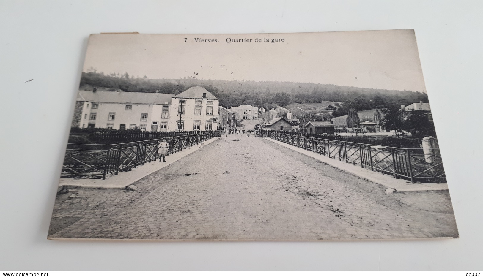 *VIERVES  Quartier De La Gare. Oblitérée Début 1900 - Viroinval