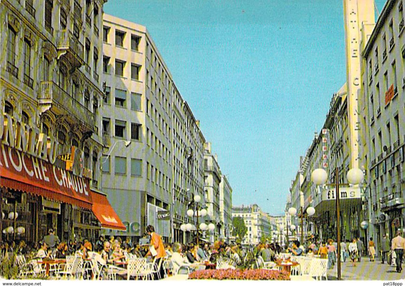 ** Lot De 2 Cartes ** 69 - LYON ( Rue Commerçante ) Rue De La République Et Rue St Jean - CPSM CPM GF - Rhône - Autres