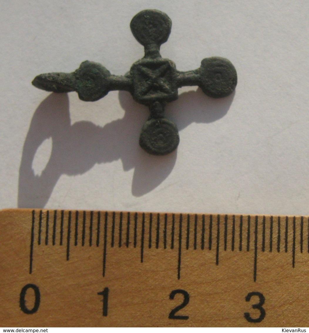 Antique Viking Era Pendant 10th-11th Century AD Bronze Decorated Medieval Cross - Archéologie
