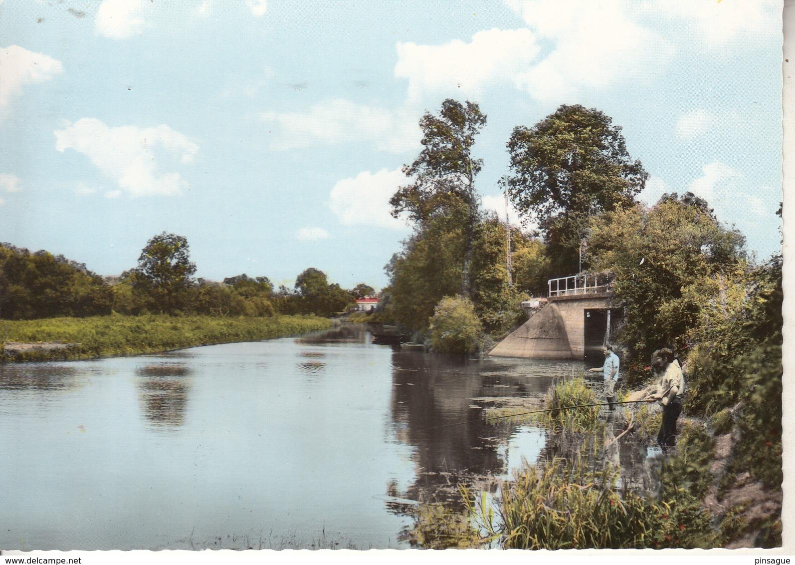 BOUAYE  L'Acheneau Au Pont De Grand Lieu Avec Pêcheurs - Bouaye