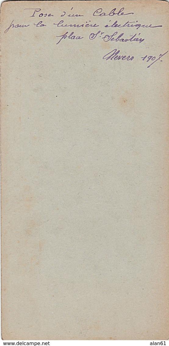 PHOTO STEREO 1907 NEVERS POSE D' UN CABLE POUR LA LUMIERE ELECTRIQUE PLACE D' ORLEANS - Fotos Estereoscópicas