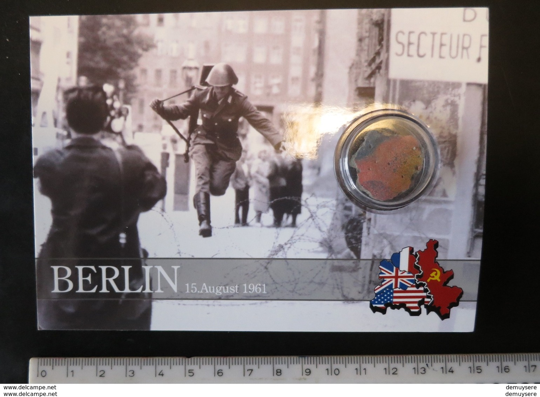495002- BERLIN - WITH PIECE FROM THE WALL - AVEC PIECE DU MUR - MIT STÜCK VON DER WAND - MET TYUKJE VAN DE MUUR - Berliner Mauer