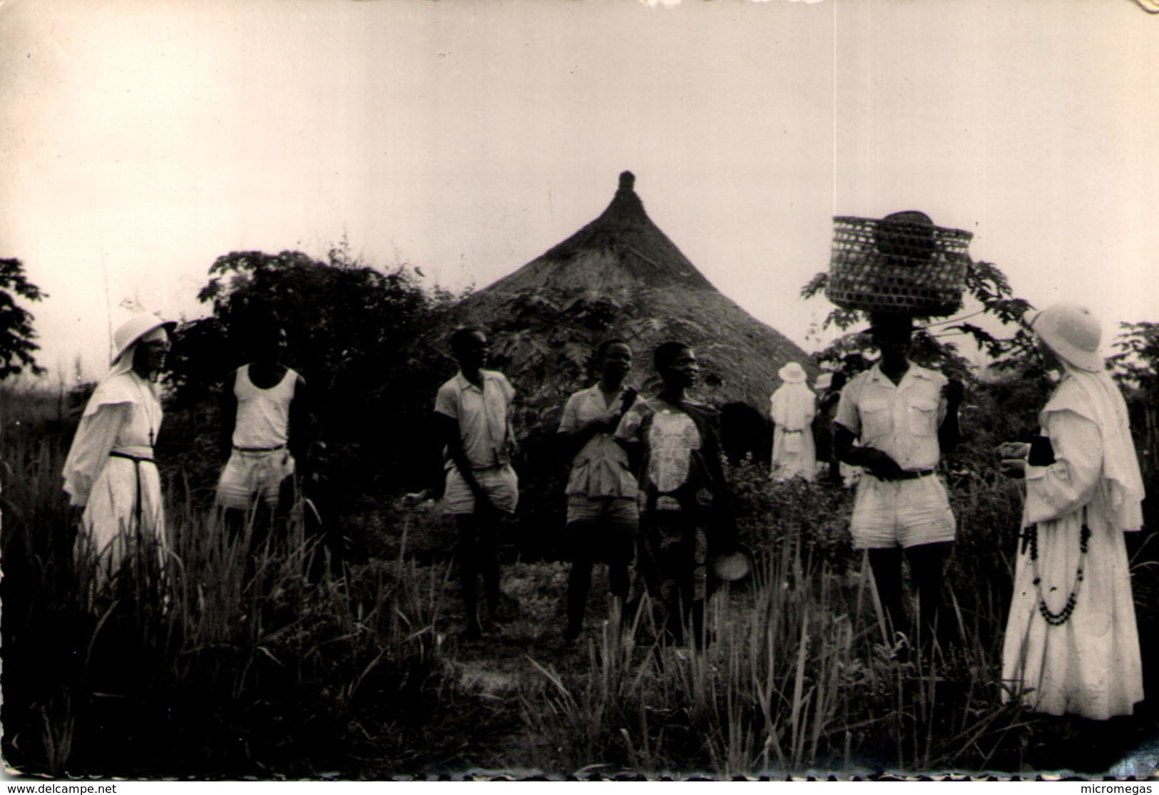 """Région De BANGUI - Visite Dans Un Village De Noirs Dits """"évolués"""" - Centrafricaine (République)"""