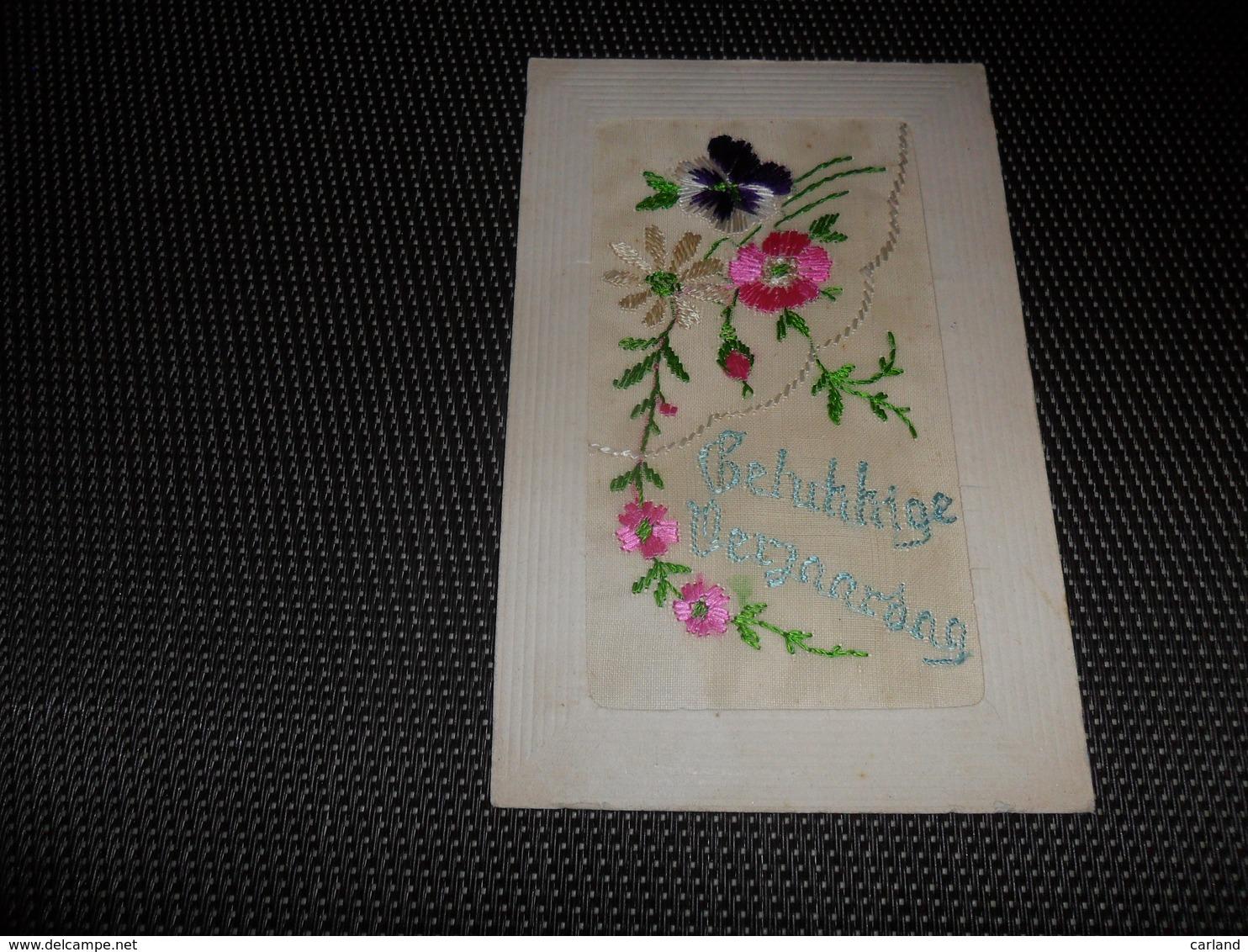 Carte Brodée ( 24 )  Geborduurde Kaart - Brodées