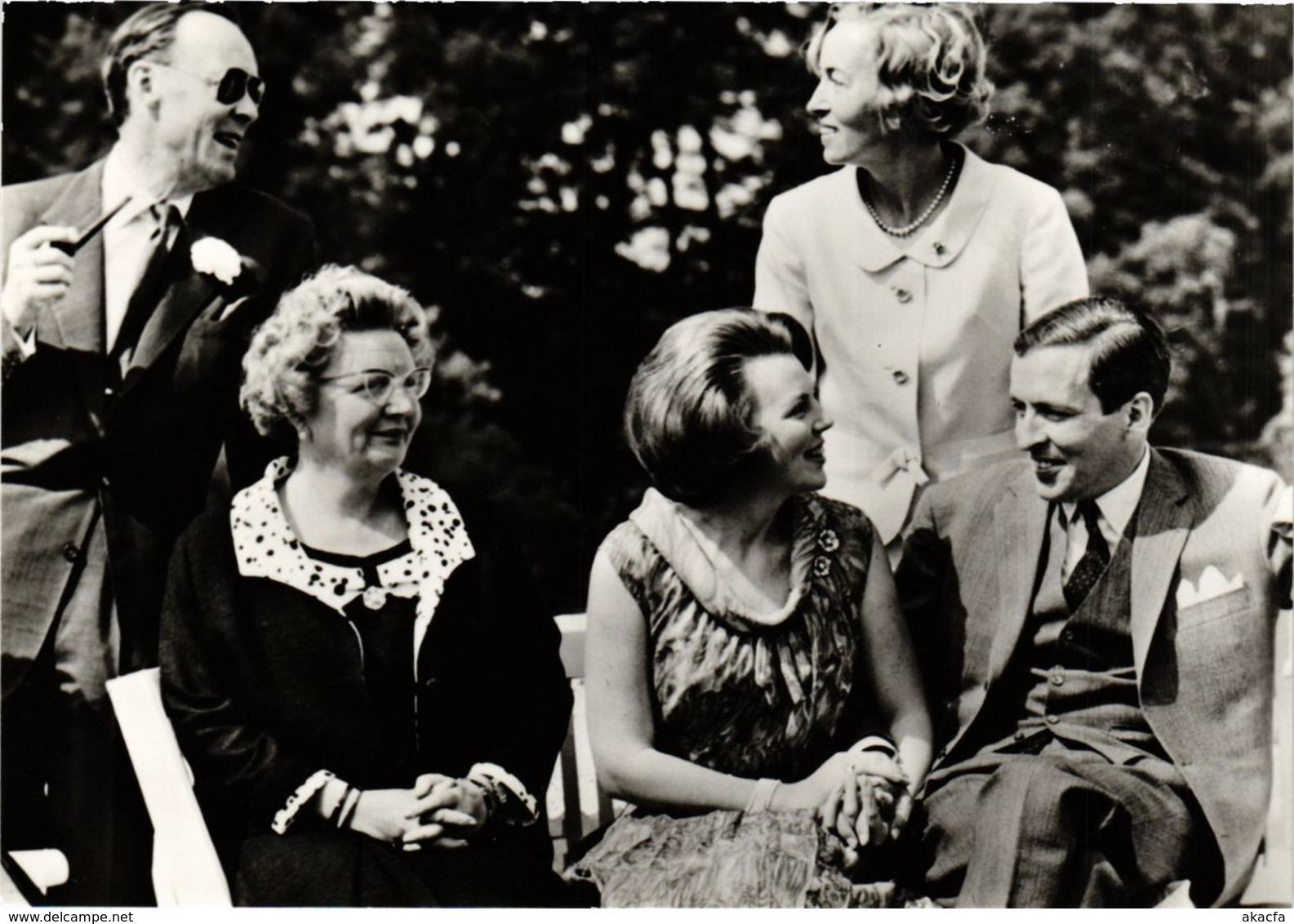 CPM Verloving Prinses Beatrix En Heer Claus V.Amsberg DUTCH ROYALTY (820938) - Familles Royales