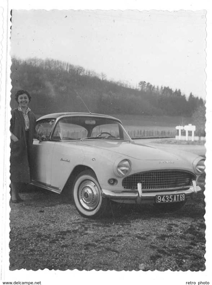 2 Photos Automobile Simca Coupé Plein Ciel , Route, Panneau, Immat. Rhône - Automobiles