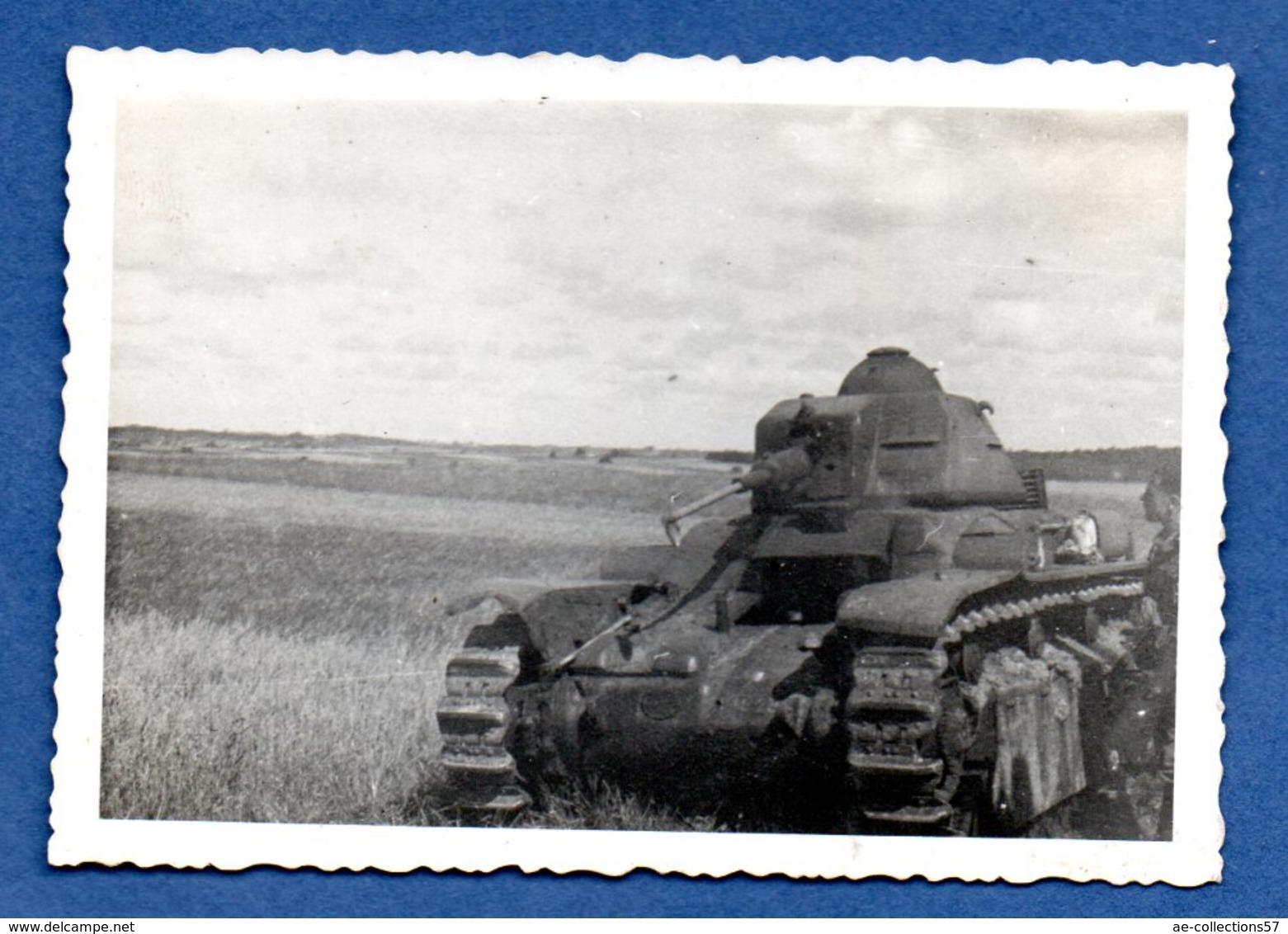 Photo  -  Char Détruit -- ( Petit Format ) - War 1939-45